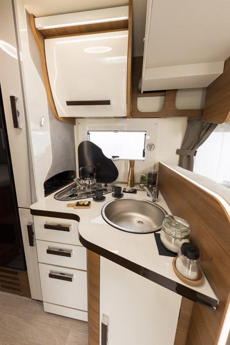 nuovo camper semintegrale elnagh Baron 560 - foto 12